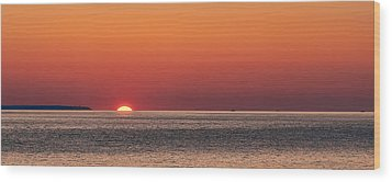Block Island Sunrise Wood Print by William Jobes