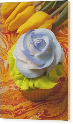 Blue Rose Cup Cake Wood Print by Garry Gay