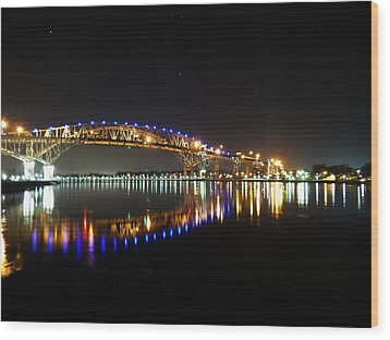 Bluewater Bridges On A Warm Spring Night Wood Print