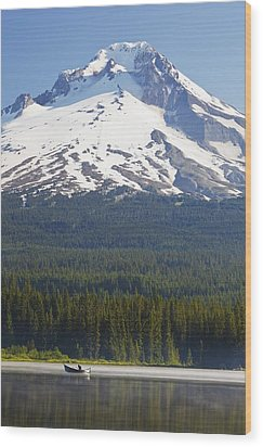 Boating In Trillium Lake With Mount Wood Print by Craig Tuttle