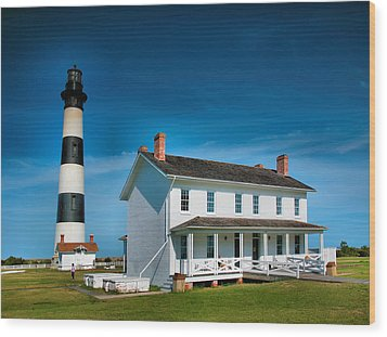 Bodie Island Lighthouse And Keepers Quarters Wood Print by Steven Ainsworth