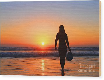Bodysurfer At Dusk Wood Print by Sabino Cruz