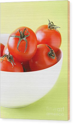Bowl Of Tomatoes Wood Print by HD Connelly