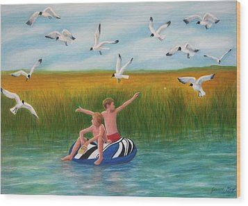 Boys Sharing With Laughing Gulls Wood Print