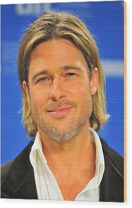 Brad Pitt At The Press Conference Wood Print by Everett
