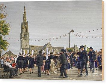 Breton Dancing Wood Print by Sophie De Roumanie