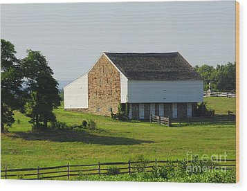 Wood Print featuring the photograph Brian Barn At Gettysburg by Cindy Manero