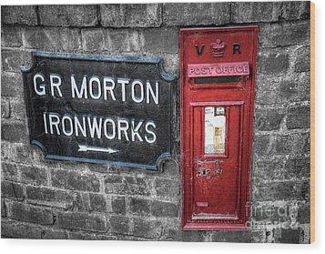 British Mail Box Wood Print by Adrian Evans