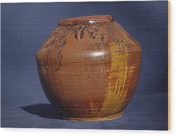 Brown Vase Wood Print by Rick Ahlvers