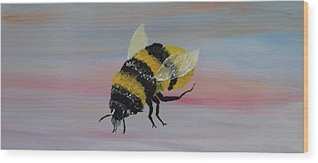 Bumble Bee Wood Print by Mark Moore