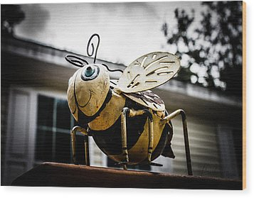 Bumble Bee Of Happiness Metal Statue Wood Print by Robin Lewis