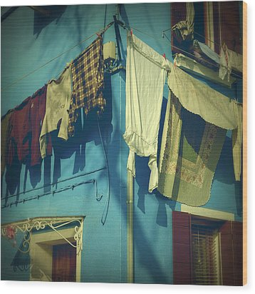 Burano - Laundry Wood Print by Joana Kruse