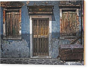 Burano - Venezia Wood Print by Joana Kruse