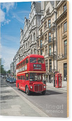 Bus On Piccadilly Wood Print by Andrew  Michael
