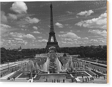 Bw France Paris Fontain Chaillot Tour Eiffel 1970s Wood Print by Issame Saidi