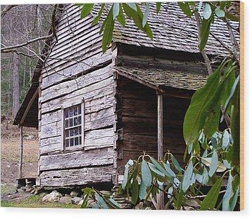 Cades Cove Cabin Wood Print by Jim Finch
