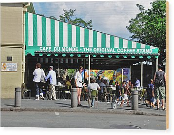 Wood Print featuring the photograph Cafe Du Monde by Helen Haw