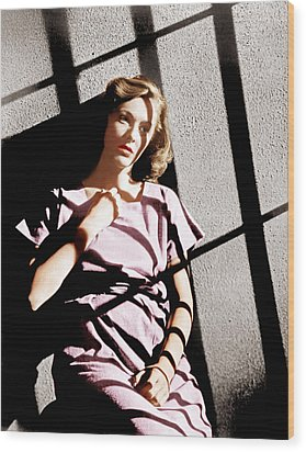 Caged, Eleanor Parker, 1950 Wood Print by Everett