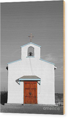 Calera Mission Chapel Facade In West Texas Color Splash Black And White Wood Print by Shawn O'Brien