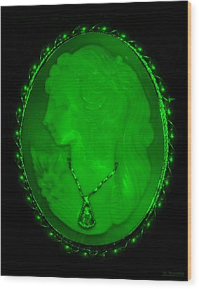 Cameo In Green Wood Print by Rob Hans