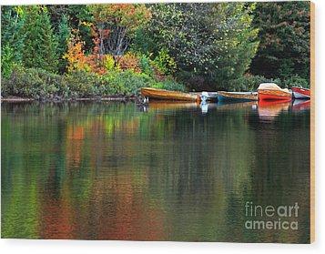 Canoe Lake Wood Print by Charline Xia