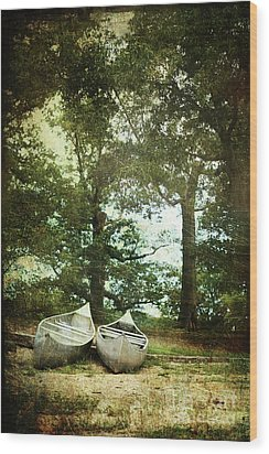 Canoes On The Shore Wood Print by Stephanie Frey
