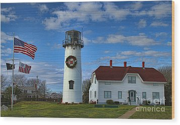 Wood Print featuring the photograph Cape Cod Chatham Lighthouse by Gina Cormier