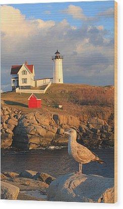 Cape Neddick Nubble Lighthouse And Seagull Wood Print by John Burk