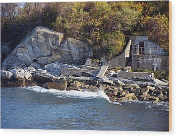 Wood Print featuring the photograph Casco Bay Fort Area Scene by Maureen E Ritter