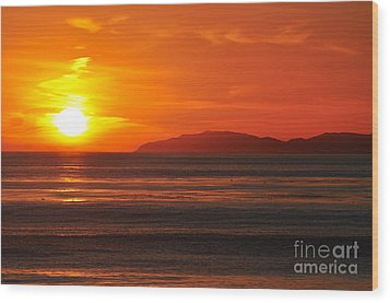 Wood Print featuring the photograph Catalina Sunset by Johanne Peale