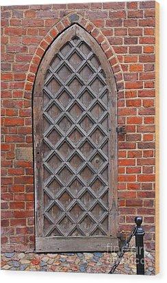 Cathedral Door In Gdansk Wood Print by Sophie Vigneault