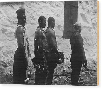 Chain Gang Of Convicts In Monrovia Wood Print by Everett