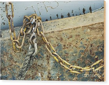Wood Print featuring the photograph Chain Over Ship's Side by Agnieszka Kubica