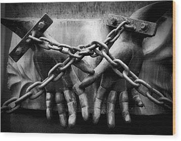 Chains Wood Print by Fabrizio Troiani
