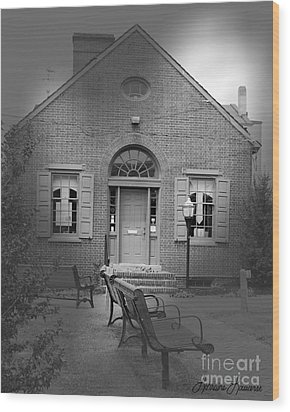 Chamber Of Commerce Elkton Md Wood Print by Lorraine Louwerse