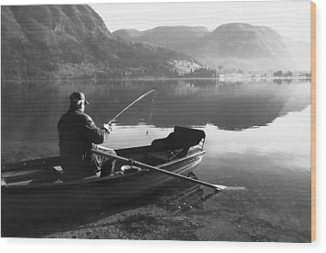 Wood Print featuring the photograph Char....ta by Graham Hawcroft pixsellpix