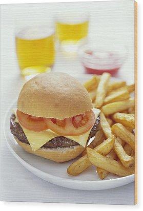 Cheeseburger And Chips Wood Print by David Munns