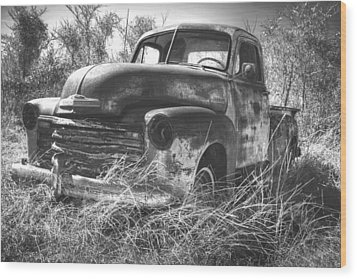 Chevy In A Field Wood Print by Paul Huchton
