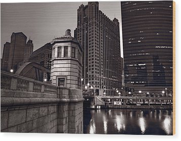 Chicago River Bridgehouse Wood Print by Steve Gadomski