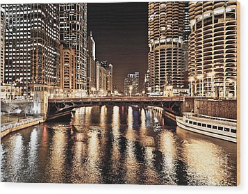 Chicago Skyline At State Street Bridge Wood Print by Paul Velgos