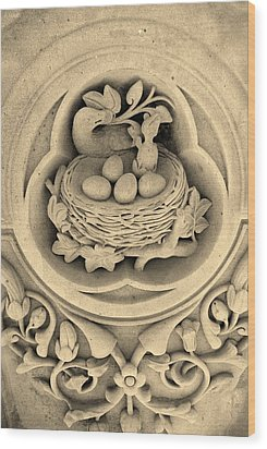 Chicks In Stone In Sepia Wood Print by Rob Hans