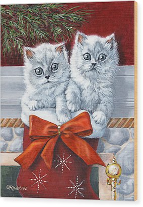 Christmas Kittens Wood Print by Richard De Wolfe