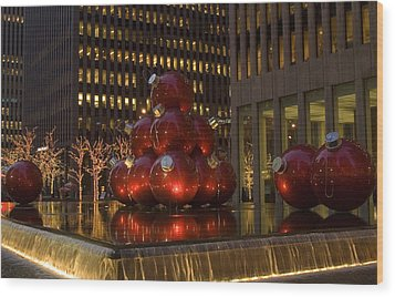 Christmas Ornaments Nyc Wood Print by Diane Lent