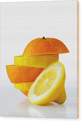 Citrus Slices Wood Print by Carlos Caetano