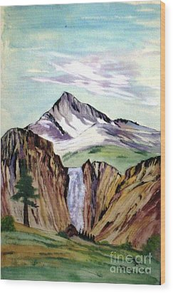 Classic Cliffs Of Splendor Wood Print