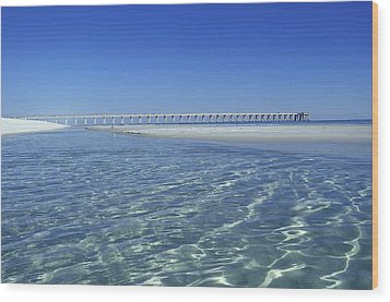 Wood Print featuring the photograph Clear Day At The Pier by Renee Hardison
