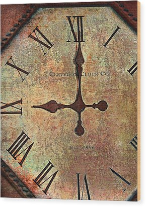 Clevedon Clock Wood Print by Robert Smith