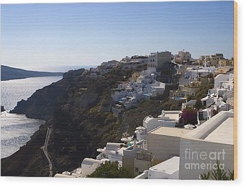Wood Print featuring the photograph Cliff Side by Leslie Leda