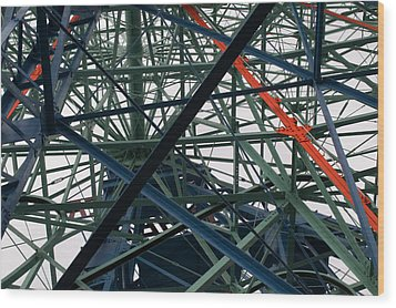 Close-up Of Ferris Wheel Mechanism Wood Print by Todd Gipstein