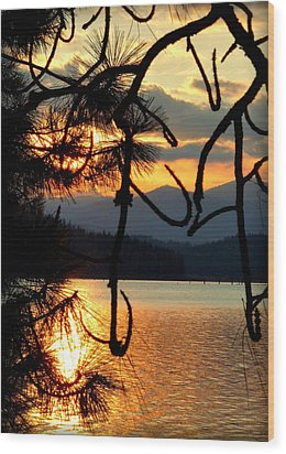 Wood Print featuring the photograph Coeur D'alene Lake Sunset by Cindy Wright